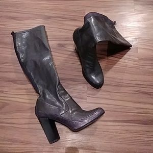 DONALD J PLINER Tall heeled Taupe BOOTS 6.5M
